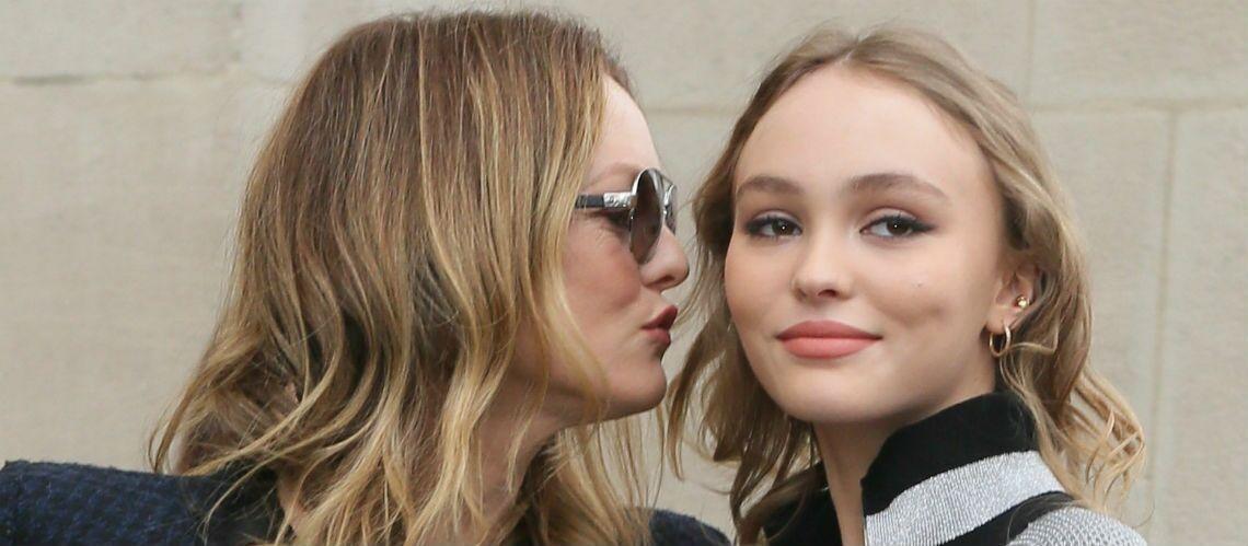 PHOTOS – Lily-Rose Depp a 19 ans le jour de la fête des mères: elle rend hommage à sa maman, Vanessa Paradis, son sosie