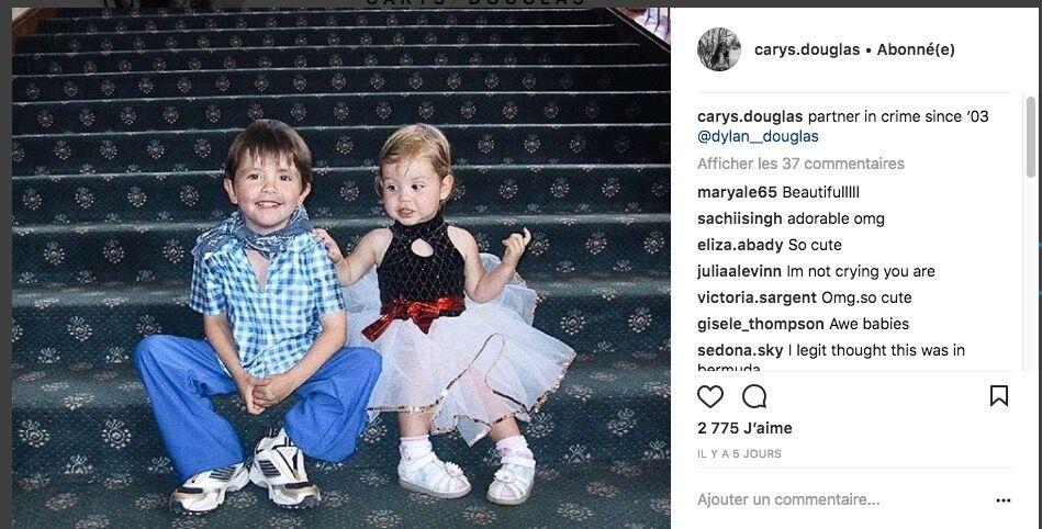 Dylan et sa petite soeur Carys, née en 2003