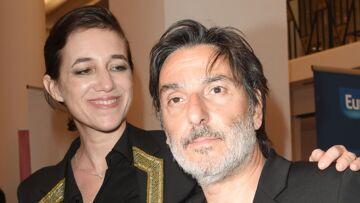 PHOTOS – Charlotte Gainsbourg et Yvan Attal main dans la main aux Molières 2018