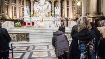 Qui est Chris Evans, le chanteur qui rendra hommage à Johnny Hallyday lors de la messe de la Madeleine le 15 juin?