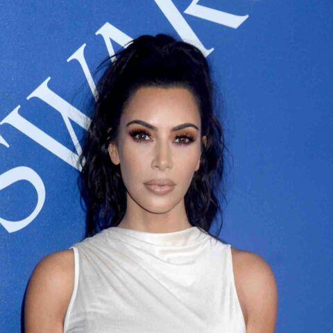 "Kim Kardashian: son prix d' ""influenceuse mode"" crée la polémique"