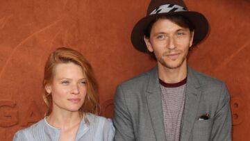 PHOTOS – Mélanie Thierry et Raphaël, les deux amoureux s'affichent à Roland-Garros