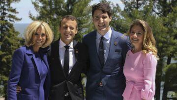 PHOTOS – Brigitte Macron: en bleu, blanc ou rouge, pourquoi la couleur de ses tenues a tellement d'importance?