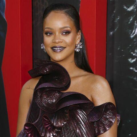 PHOTOS – Rihanna rayonnante: elle adopte la coiffure wet, ultra tendance cet été 2018