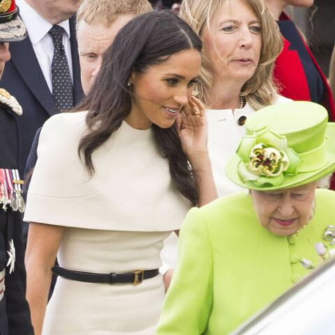 Première sortie officielle à deux pour la reine Elizabeth et Meghan Markle: leur langage corporel décodé
