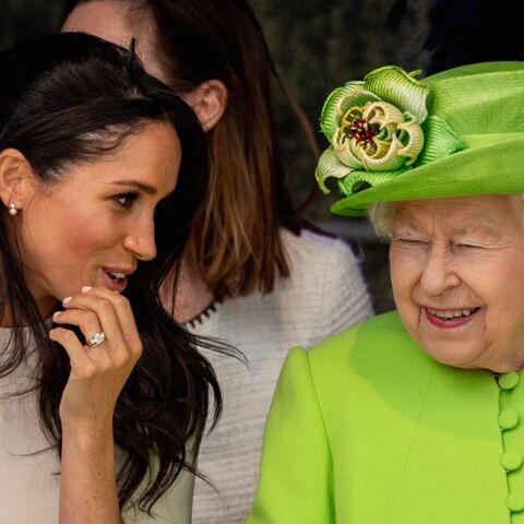 Meghan Markle gâtée par la reine: des boucles d'oreille ne passent pas inaperçues