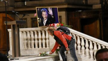 VIDEO – Messe hommage à Johnny Hallyday: Une enfant craque et doit être évacuée