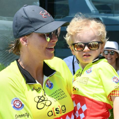 e853eb4ac0 PHOTOS – Charlène de Monaco craquante avec ses jumeaux Jacques  et Gabriella,. Voir le diaporama