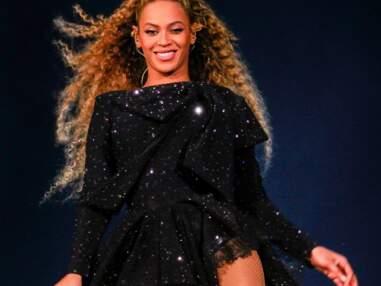Comme Solange Knowles, Shakira ou Tal portez la boucle décomplexée