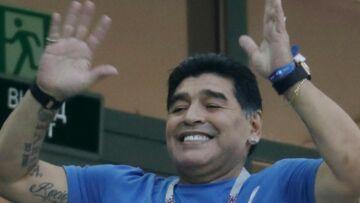 PHOTOS – Mondial 2018: Diego Maradona pète un plomb en tribunes
