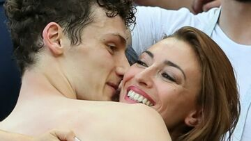 PHOTOS – Benjamin Pavard et Rachel Legrain-Trapani, le bisou après le but du footballeur