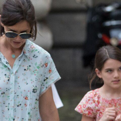 PHOTOS – Katie Holmes et Suri Cruise à Paris, la fillette a bien grandi