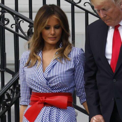 PHOTOS – Melania Trump, sublime, dans une robe Ralph Lauren, aux couleurs du drapeau américain, d'une valeur de 2 400 euros