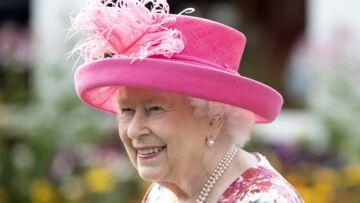 PHOTOS – La reine Elizabeth II bon pied bon oeil pour une garden party