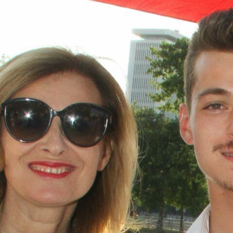 Le fils de Valérie Trierweiler a eu son bac avec mention: l'ex-compagne de François Hollande aux anges
