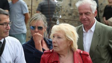 PHOTOS – Obsèques de François Corbier: Dorothée effondrée, famille et amis du musicien réunis pour un dernier hommage