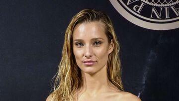 Ilona Smet pose topless et fait craquer Monica Bellucci