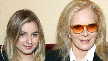 Darina, la fille de Sylvie Vartan, très proche d'Emma Smet: le tendre cliché d'elles bébés