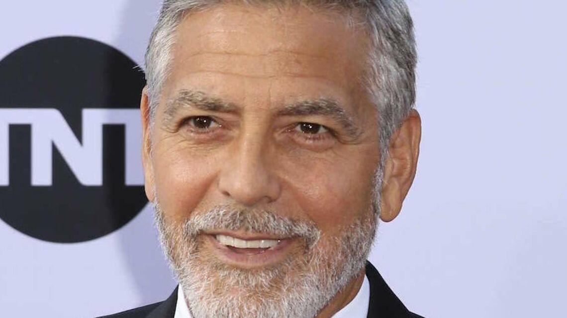 PHOTOS – George Clooney les 1ères photos après son accident, l'acteur semble affaibli