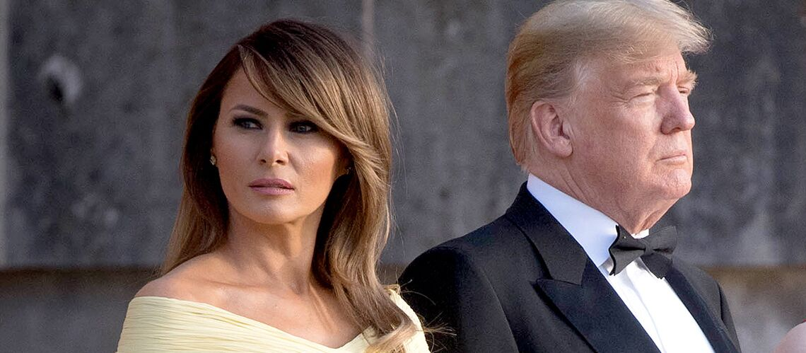 PHOTOS  – Melania Trump subjugue les photographes dans une robe jaune de gala