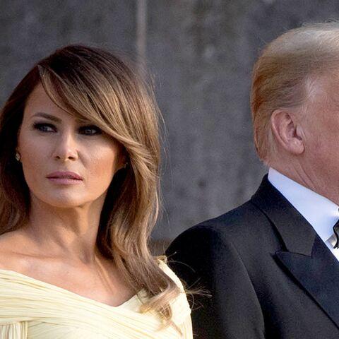 PHOTOS  – Melania Trump subjugue les photographes dans une robe jaune de gala
