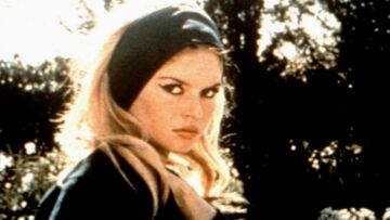 PHOTOS – Coiffure: De Brigitte Bardot à Rihanna: le foulard est toujours la star des accessoires cheveux!