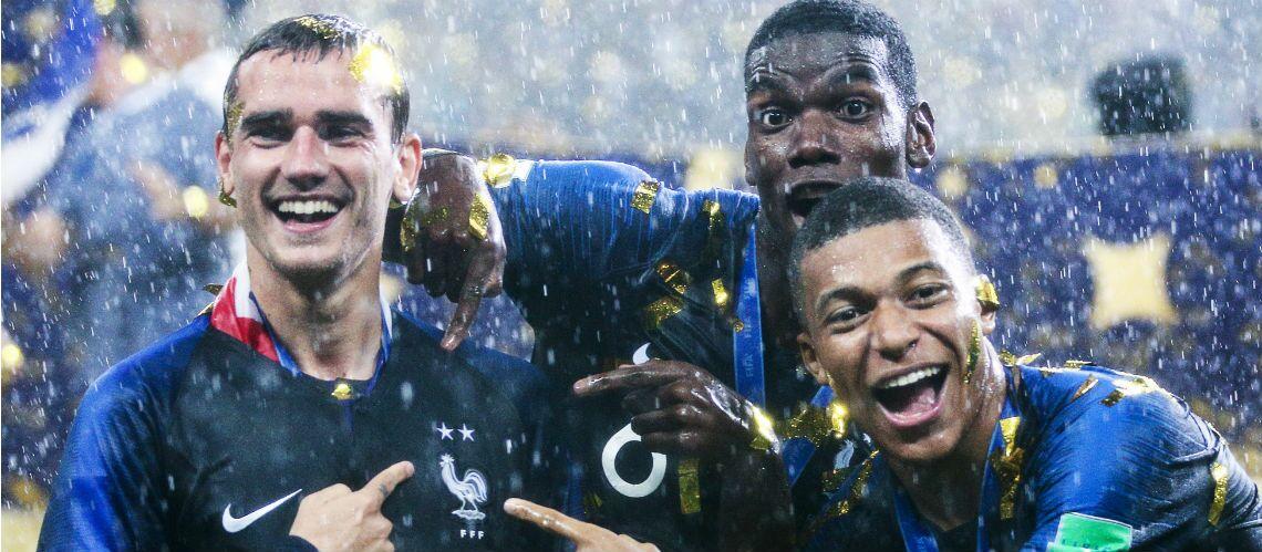 18ec7841a0e5d PHOTOS – Maillot de l Equipe de France 2 étoiles en rupture de stock    découvrez 5 autres T-Shirts aux couleurs des Bleus - Gala
