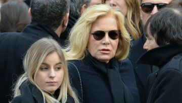PHOTO – Toujours aussi sexy, Darina, la fille de Sylvie Vartan, ose le mini-short