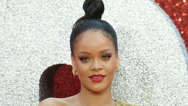 3780b7f92c34 Rihanna nbsp   son produit pour des sourcils parfaits co ucirc te moins ...