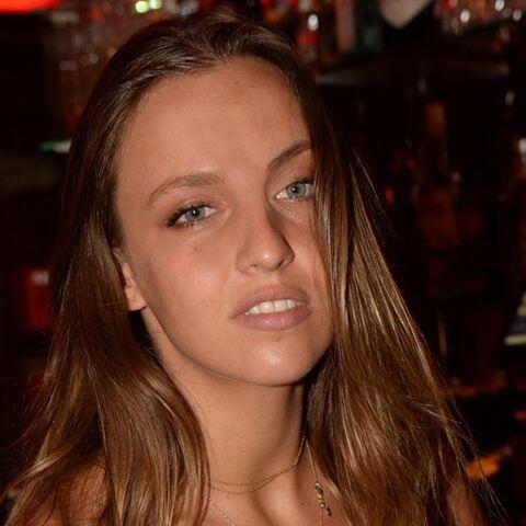 PHOTOS – Carla Ginola sexy en brassière et pantalon large pour la soirée du Byblos