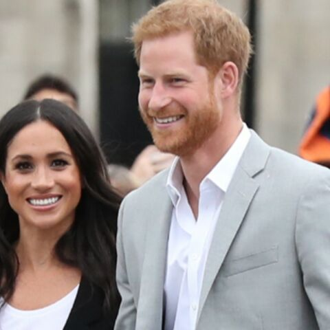VIDEO – Quand Meghan Markle embrasse le prince Harry après son match de polo : un rare baiser en public