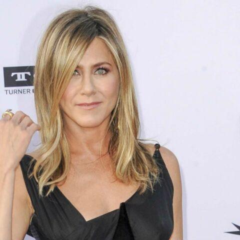 PHOTOS – Jennifer Aniston toujours aussi canon à 49 ans: elle pose ultra sexy en couverture d'un magazine