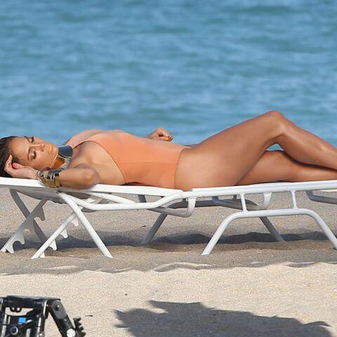 PHOTOS – 5 trucs à piquer aux stars pour être sexy dès le 1er jour de plage