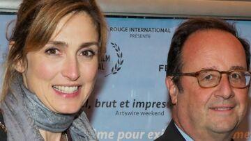 PHOTOS – François Hollande et Julie Gayet ne fuient plus du tout les photographes, ils posent tout sourire avec des touristes