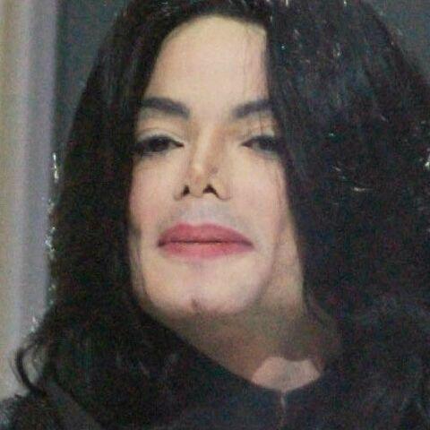 ce_n_etait_pas_la_voix_de_michael_jackson_sur_trois_chansons_de_son_album_posthume_decouvrez_qui_chantait