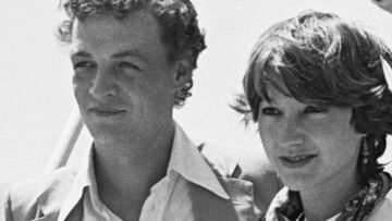 PHOTOS – Nathalie Baye rend hommage à son ancien compagnon Philippe Léotard, 17 ans après sa mort