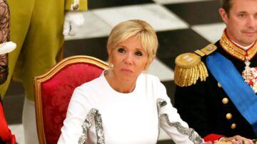 PHOTOS – Brigitte Macron, éblouissante en robe blanche à paillettes pour son dîner avec la reine du Danemark