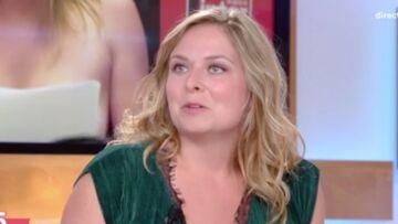 VIDÉO – L'humoriste Constance réagit après le torrent d'insultes reçu suite à sa chronique seins nus