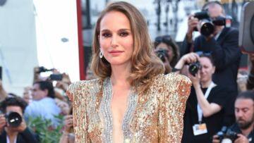 PHOTOS – Natalie Portman plus sexy que jamais en décolleté profond et robe scintillante