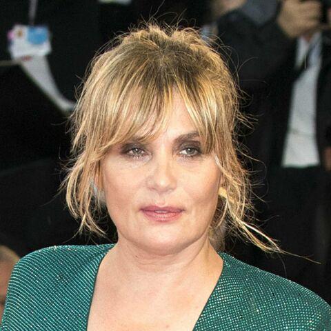 Emmanuelle Seigner, mère poule pour ses enfants Elvis et Morgane