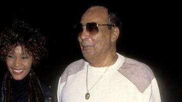 VIDÉO – Whitney Houston:  comment son père, cupide, a voulu profiter d'elle jusqu'au bout