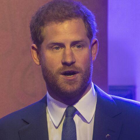 Le prince Harry en larmes face à la maman d'un camarade qui s'est suicidé