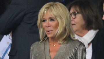 PHOTOS – Brigitte Macron sort le grand jeu pour le match des Bleus: son look surprend