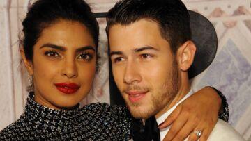 Priyanka Chopra pose avec son fiancé Nick Jonas et fait un gros clin d'oeil à son amie Meghan Markle