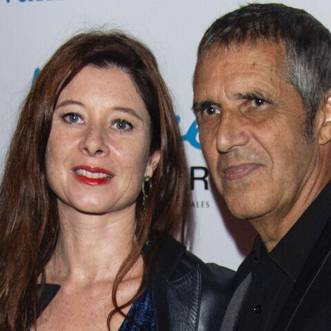 PHOTOS – Julien Clerc et sa femme réunis pour une soirée en amoureux aux cotés de l'avocat de Laeticia Hallyday