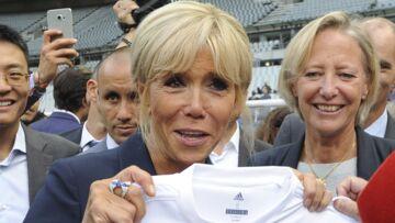 PHOTOS – Brigitte Macron en visite d'Etat et sur les terrains de foot, elle ne quitte plus ses sneakers Louis Vuitton