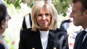 PHOTOS – Comme Brigitte Macron, adoptez la veste chic épaulée et aux boutons dorés