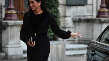 Meghan Markle fait le buzz en fermant elle-même sa portière mais Kate l'avait déjà fait avant elle