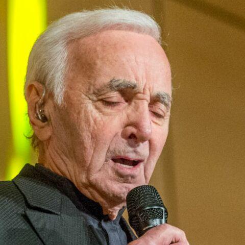 Mort de Charles Aznavour: quand un critique comparait sa voix à un moulin à poivre