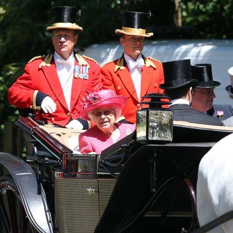 Homophobie à Buckingham? Un jeune valet ouvertement gay de la reine Elisabeth II rétrogradé en raison de sa médiatisation